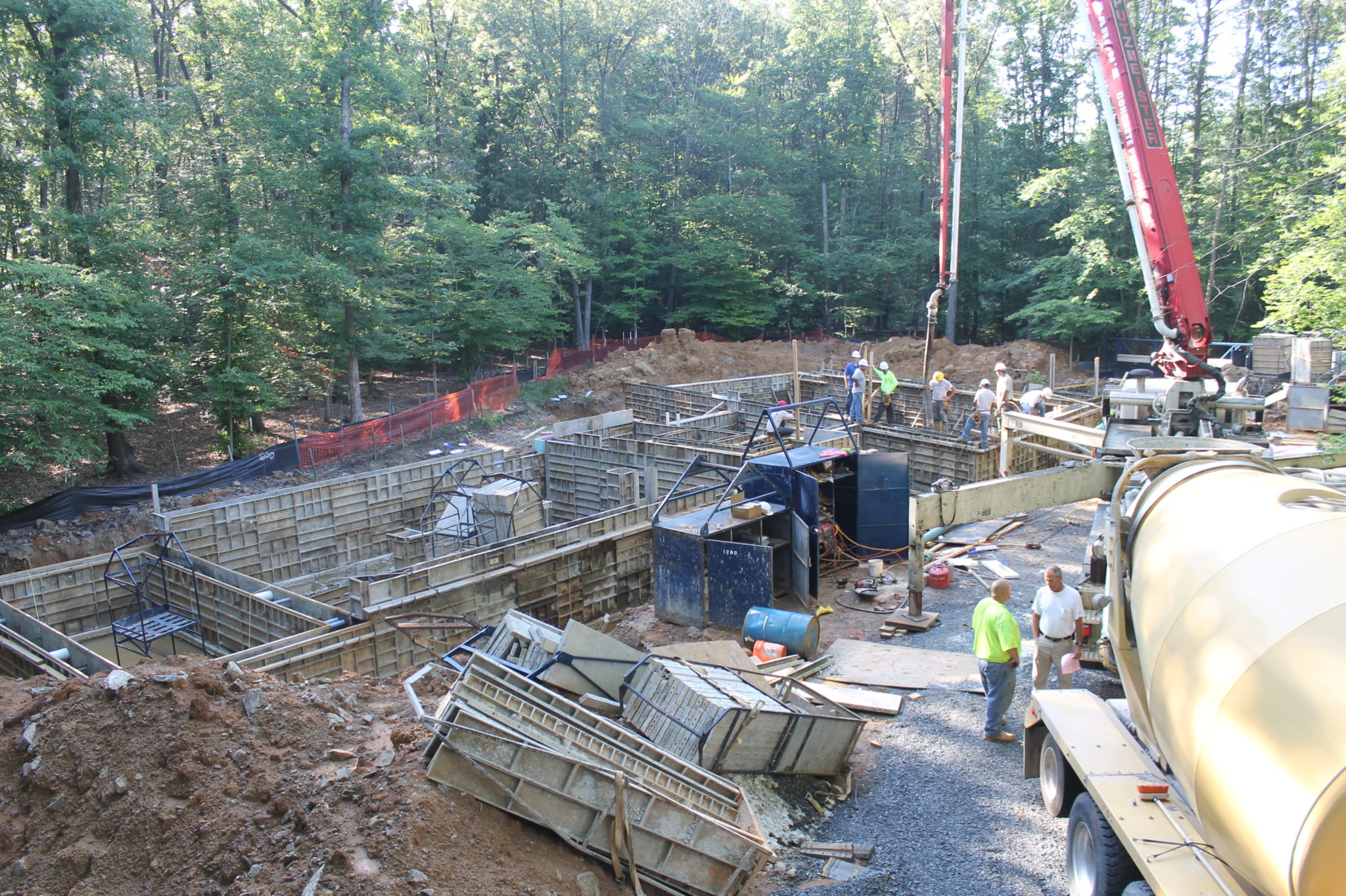 Concrete walls poured bartley corp for Poured foundation walls